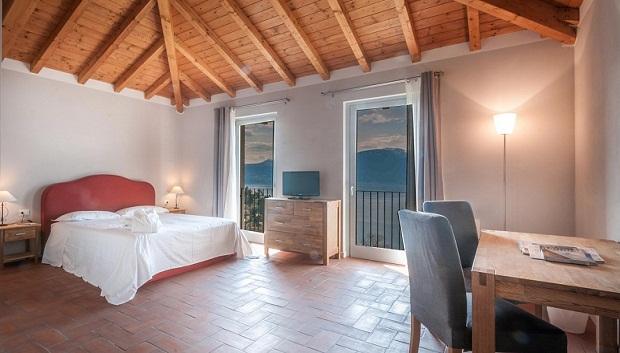Laveno, Montecristo-matrimoniale-home